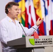 presidentecolombiajuanmanuelsantos-nobelpaz-peq