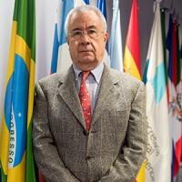 Salvador Arriola, secretario para la cooperación