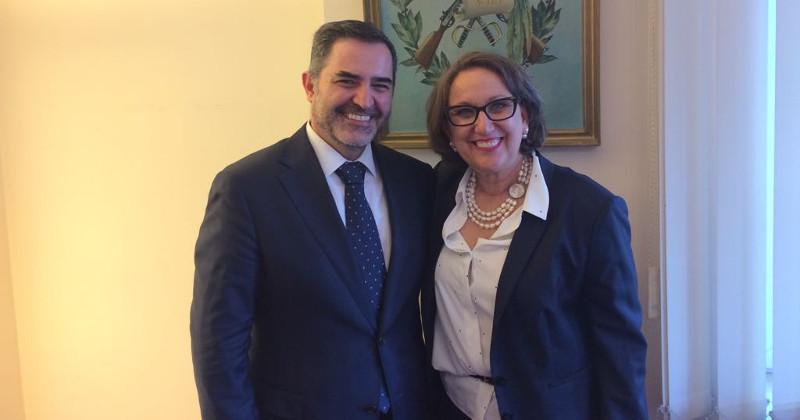 Embajador de Guatemala ante la Unión Europea, José Alberto Briz, y secretaria general iberoamericana, Rebeca Grynspan